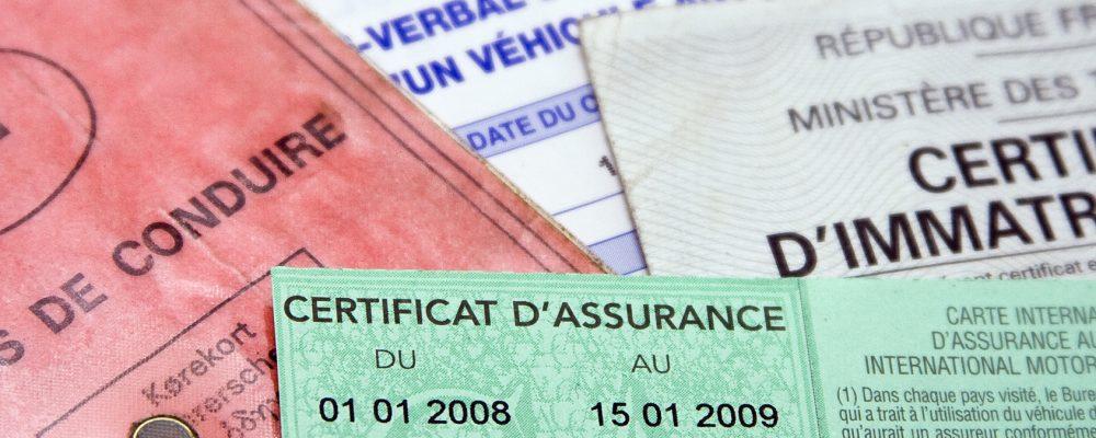 Quels documents fourni pour une demande de carte grise ?
